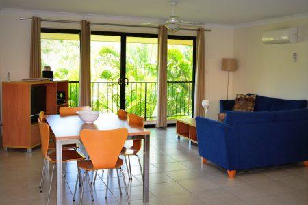 Arlia Sands Apartments Premium Living Area